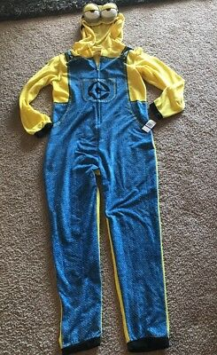 Despicable Me Adult Minion Costume, Size Medium M Halloween Outfit MSRP $80 A2 - Minions Halloween Outfit