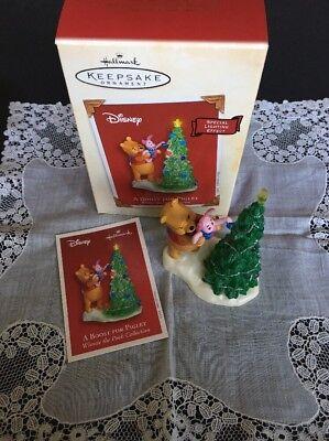 Hallmark Ornament Disney A Boost For Piglet Winnie The Pooh 2003 BX-A