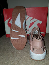 Nike Air Huaraches Rose gold/pink UK 8.5