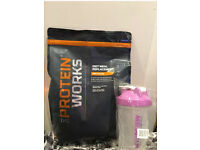 The protein works diet meal replacement strawberries and cream 2kg