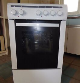 Currys Essentials CFSEWH12 Electric Cooker - As New