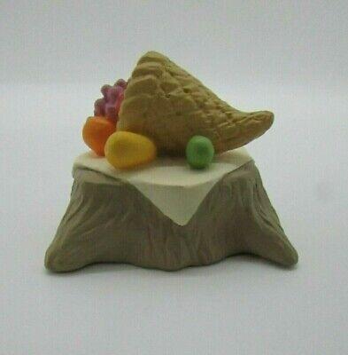 Hallmark Vintage Merry Miniatures 1995 Cornucopia - Thanksgiving Table - QFM8167