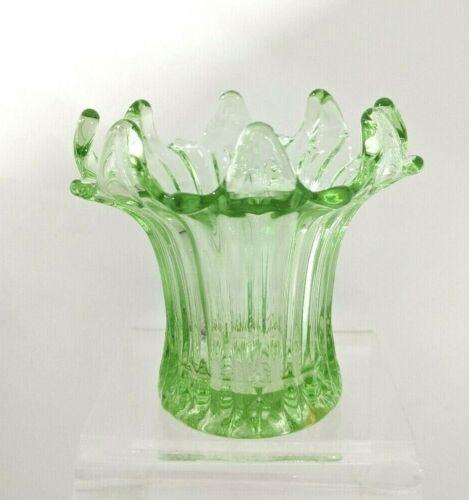 """VT. Vintage Green Depression Glass Vase 3.75"""""""
