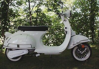GD 2000w electric e scooter classic style