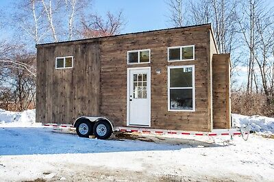 Tiny House on Wheels 24' x 8' Full Kitchen, Full Bathroom, Modern Finishes