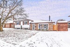 184 LABRADOR DR Oshawa, Ontario