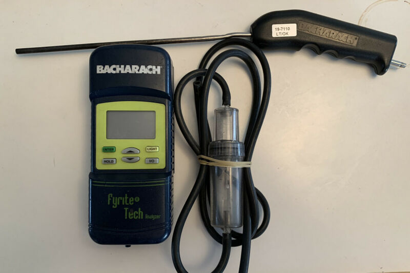 Bacharach Fyrite Tech Combustion Gas Analyzer  Model 50 & 60  - preowned
