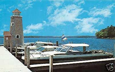 LAKE WINNIPESAUKEE NH BOATS TO VIEW BEAUTIFUL VISTAS & BEACHES POSTCARD c1960s