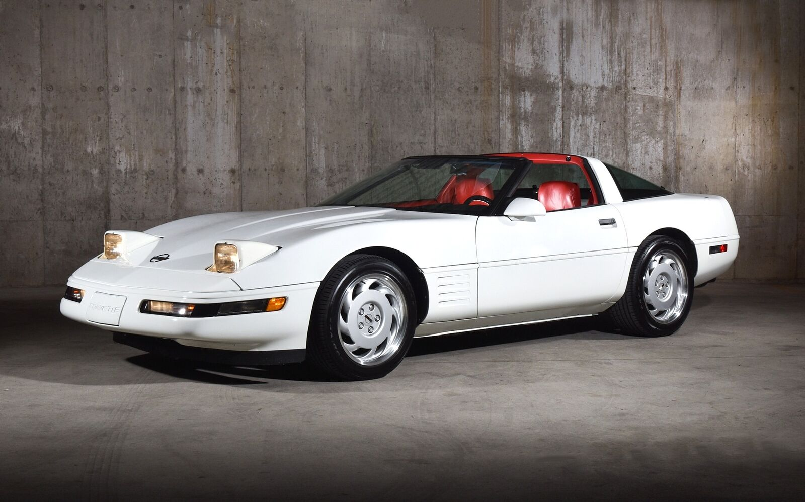 1992 White Chevrolet Corvette   | C4 Corvette Photo 4