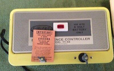 Vtg Nos 1972 Hol Dem Yellow Electric Fence Controller Model Tt - 68