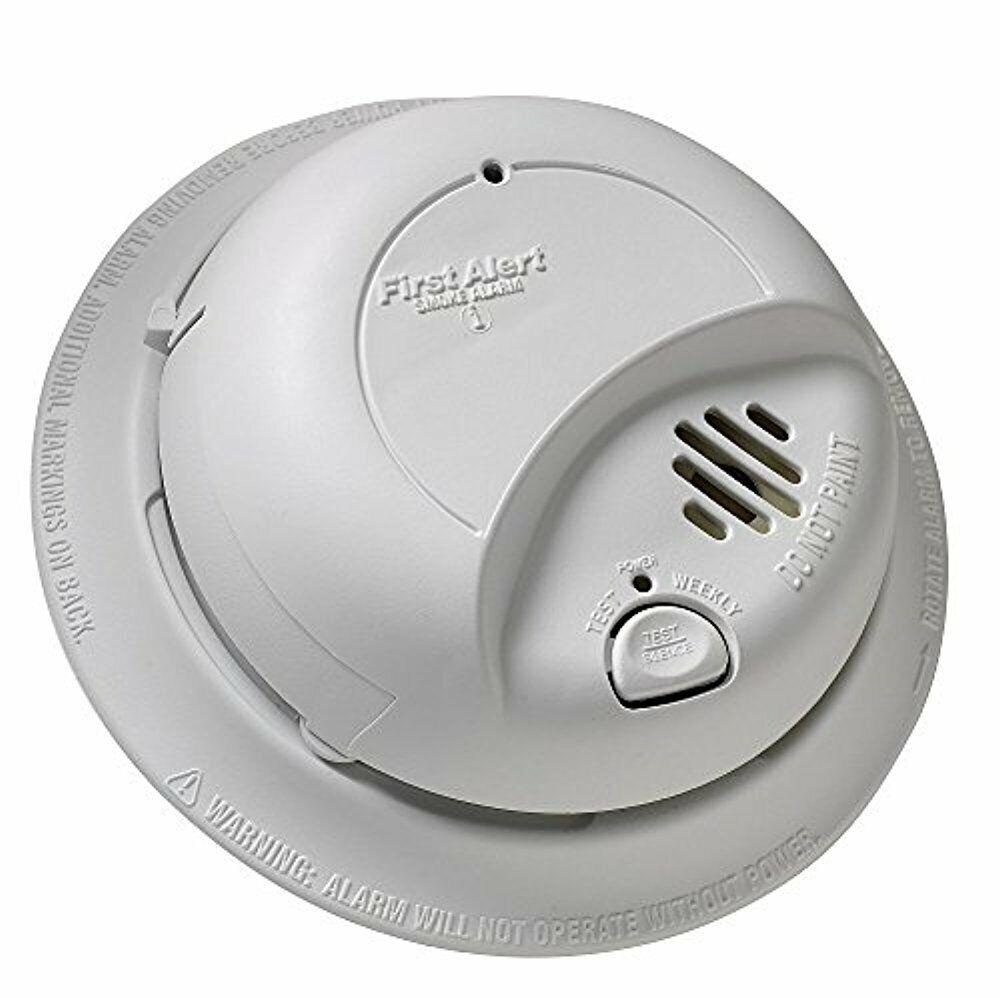 First Alert, BRK 9120B  AC Powered Smoke Detector Alarm w/Ba