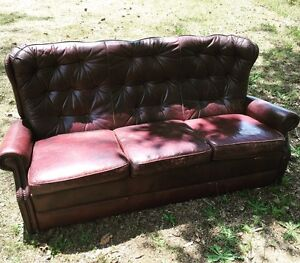 REDUCED Vintage Genuine Leather lounge Yandina Creek Noosa Area Preview