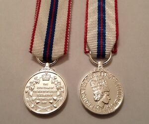 Queens-Silver-Jubilee-Miniature-Medal-E11R-Army-Ribbon-New-Mini-Military