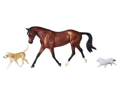 Breyer Horses Traditional Size Protocol Gift Set #1807 Bay Warmblood Mare 2 Dogs