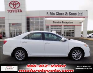 2014 Toyota Camry LE Free winter tires!!