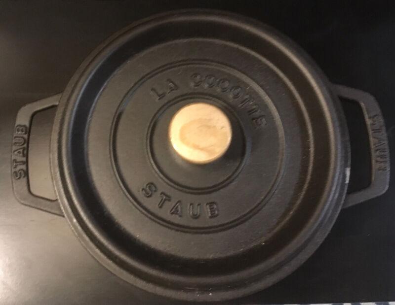 "Staub Cast Iron Dutch Oven 20 CM 7 7/8"""