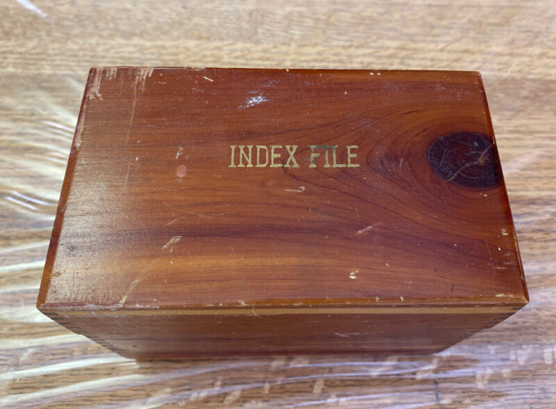 VINTAGE WOODEN RECIPE BOX FULL OF FOOD RECIPES GRANDMAS!  WRITTEN TYPED CUT-OUTS