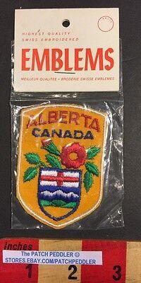 NOS ALBERTA Canada  Souvenir Emblem Travel Patch Shield Flower 57V