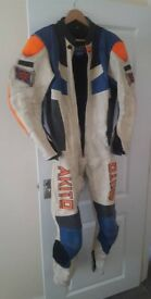 Akito one piece leathers size 42