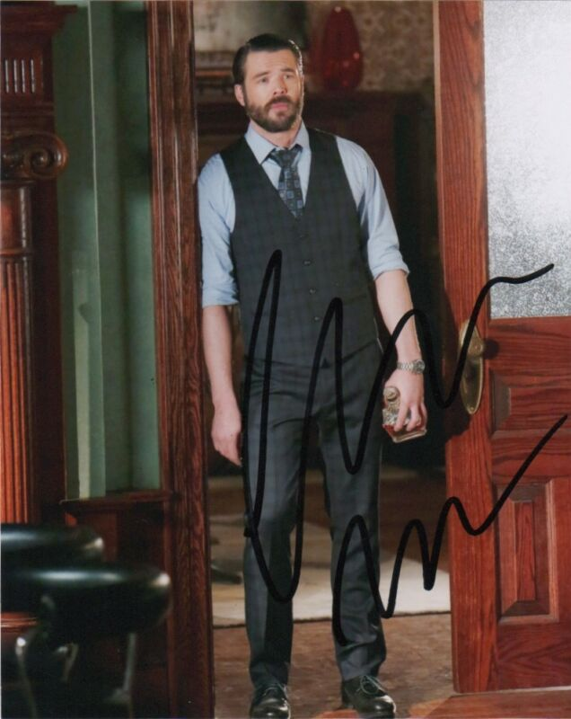 Charlie Weber How to Get Away with Murder Autographed Signed 8x10 Photo COA #1