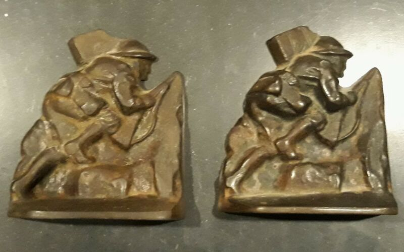 WWI US Army Doughboy Soldier Metal Bookends