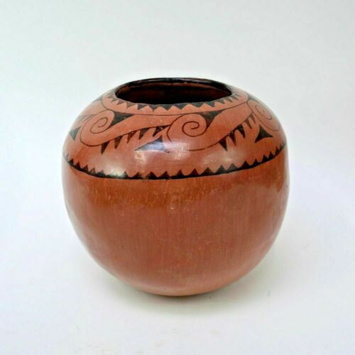 Handsome Large Maricopa Jar - Unsigned - Possibly Ida Redbird