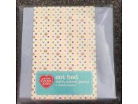 Fitted cot bed sheets