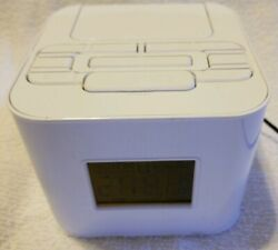 Audiovox White Dual Alarm Clock Radio With Ipod/iphone Dock/ Charger CR8030IE5