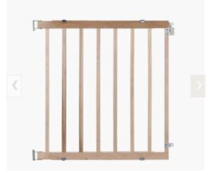 Safety gate for baby