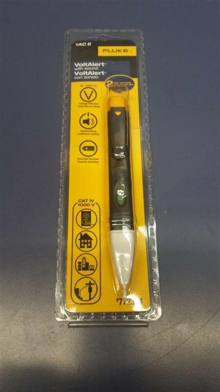 Fluke 1 AC II VoltAlert Voltage Detector Digital 1000-Volt Voltage