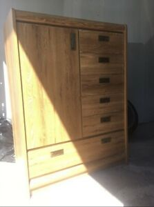 Moving house sale!!!Dresser good condition