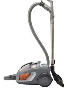 Vacuum - Bissell Canister / Bagless