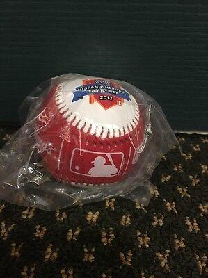 Tony the Tiger-Kelloggs-Keebler-MLB Frosted Flakes Hispanic Heritage Family Day