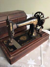 Singer 27K Sewing Machine Collectable Display hand crank vintage pharaoh Rare