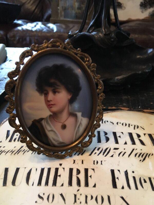 ANTIQUE FRED LOESER & CO. GIRL PORCELAIN PORTRAIT PLAQUE FRENCH FRAMED