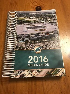 Miami Dolphins: 2016 Media Guide and Yearbook - NFL