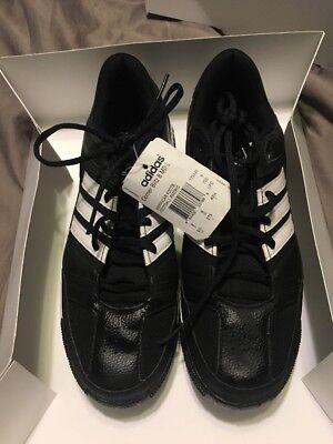 51a6bb3ad822c0 ADIDAS Corner Blitz 8 MD Low Performance 173140 Football Cleats Shoes 9 1 2  9.5
