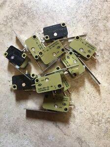 Lot of 10 SAIA-BURGESS MICRO SWITCH 20(8)A 250V 1E4 T85 XGG3B-B6-J25