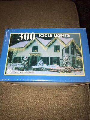 White/Clear Icicle Christmas Light Set White Wire Frost 300 Count (CT) ()