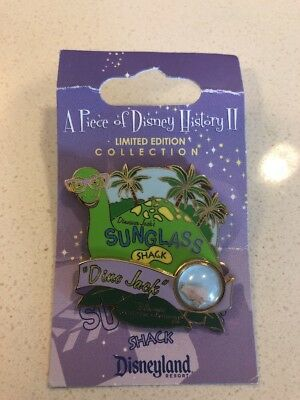 Disney Pin Piece Of History POh Dino Jack Sunglasses Hut Le (Sunglass Hut History)