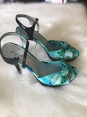 Qupid Flowers Sandals High Heels Shoes Good Condition Size 7.5