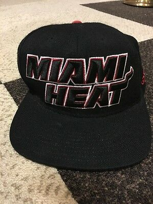 ADIDAS MIAMI HEAT Snapback Hat Official NBA Draft Cap EUC Adjustable Black