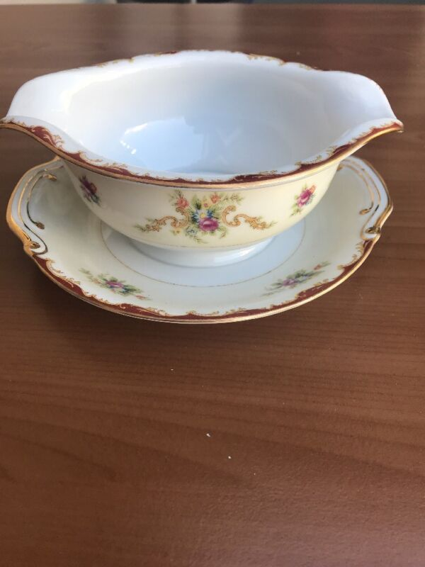 Harmony House Wembley Gravy Boat With Attached Underplate