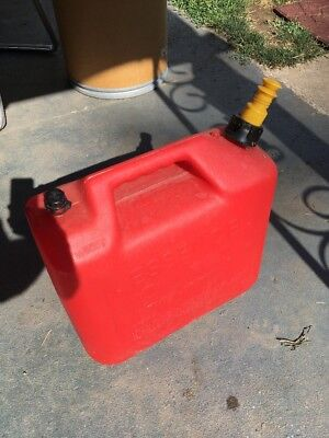 Wedco 5 Gallon Vented Gas Can Model W520 Vintage