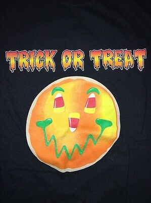 Smiley Cookies Halloween (Eat'n Park Pittsburgh T-Shirt Trick-Or-Treat smiley Cookie Men's S Small.)