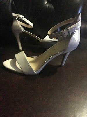 Jessica Simpson Shiny cream patent Strappy ankle strap Sandal sz 9 new