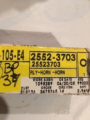 AC DELCO CHEVY BUICK PONTIAC HORN RELAY OEM # 25523703 OEM # 2552 3703