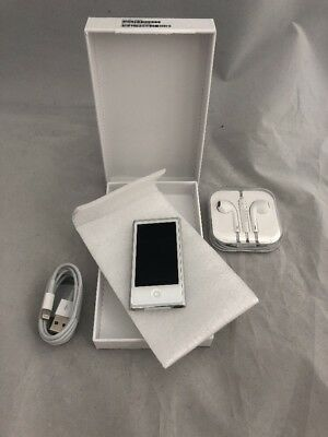 New Apple iPod nano 7th Generation Silver (16 GB) Bundle - Warranty