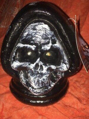 Halloween Evil Electronic Shrouded Skull Animated Red Flashing Eyes Decoration](Halloween Flash Animations)