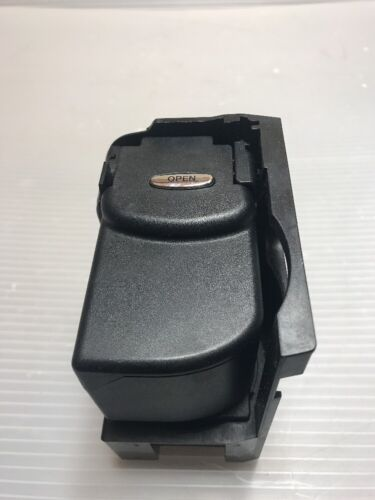 Used Mercedes-Benz E320 Cup Holders for Sale